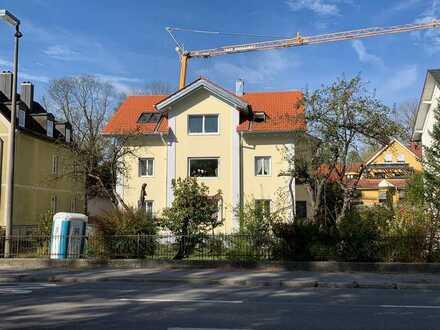 Gepflegte Wohnung mit sechs Zimmern sowie Balkon und EBK in Kaufbeuren