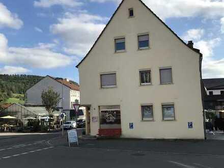 Ansprechende, gepflegte 3-Zimmer-DG-Wohnung zur Miete in Albstadt-Truchtelfingen