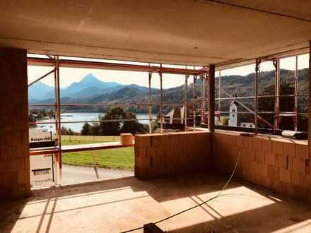 Erstbezug: Appartement mit unglaublichem Seeblick sucht Haushälterin