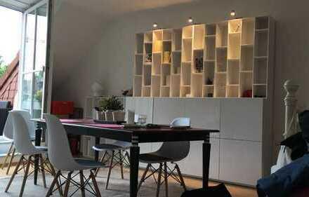 Schöne, helle 2-Zimmer DG-Wohnung mit hochwertiger Einbauküche und Balkon in Köln-Junkersdorf