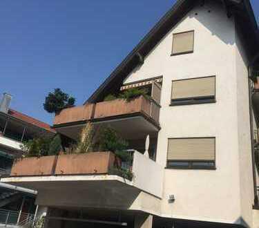 Im Herzen von Pleidelsheim, 2,5-Zimmer-MaisonettenWohnung mit Balkon und Einbauküche in Pleidelsheim