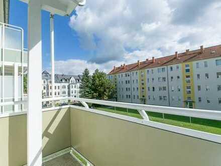 Ab 1. Oktober frei! Helle Wohnung mit 3 Zimmern plus Balkon