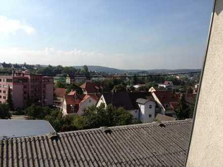 Gepflegte Penthouse-Wohnung mit vier Zimmern und Dachterrasse in Bretten-Kernstadt