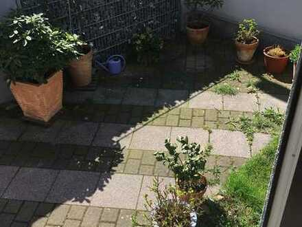 Helles Zimmer in Doppelhaushälfte mit Garten