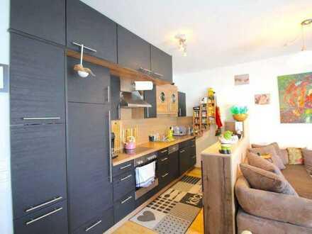 Sanierte Wohnung mit zwei Zimmern sowie Balkon und Einbauküche in Rothenburg ob der Tauber