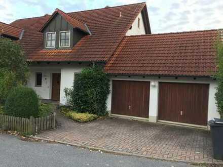 Gepflegte Doppelhaushälfte in sehr ruhiger und schöner Lage - Ideal für Familien mit oder ohne Kind.
