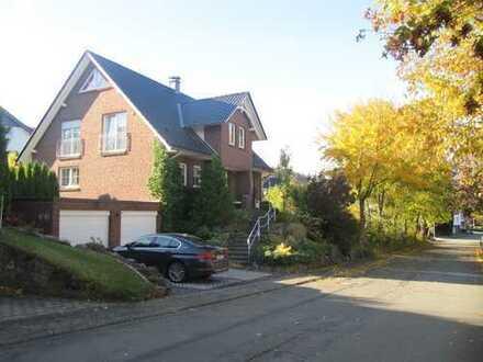 Freiraum & Lebensfreude für die ganze Familie - Komfortabeles Niedrigenergiehaus in Brilon- Hoppecke