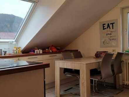 Helles möbiliertes 20 qm Zimmer in Dossenheim in 3-er WG