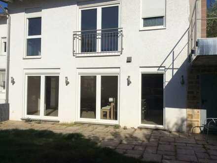 Neuwertiges Einfamilienhaus mit hochwertige EBK in Bad Soden am Taunus, Bad Soden am Taunus