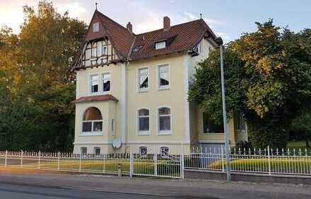 Vollständig renovierte 3,5-Zimmer-Wohnung mit Einbauküche in Einbeck