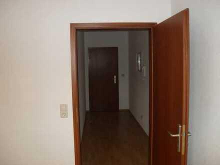 Schöne drei Zimmer Wohnung in Coswig - LK Meissen