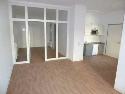 Uni Nähe / gemütliche 2 Zi. Wohnung mit Balkon / EBK zu vermieten