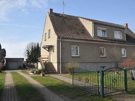 Gemütliche Doppelhaushälfte in Dorflage