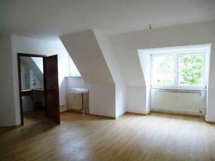Ansprechende 2-Zimmer-Wohnung mit Einbauküche in Herrenberg