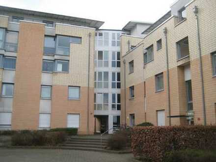 Provisionsfrei! Helles Großraumappartement mit Balkon in ruhiger Lage direkt am Park!!