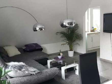 Moderne und neuwertige Obergeschosswohnung!