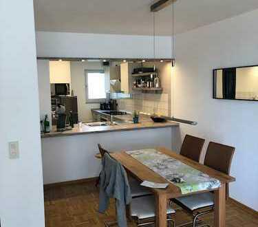 Schön geschnittene, helle 3,5 Raum Wohnung mit Balkon