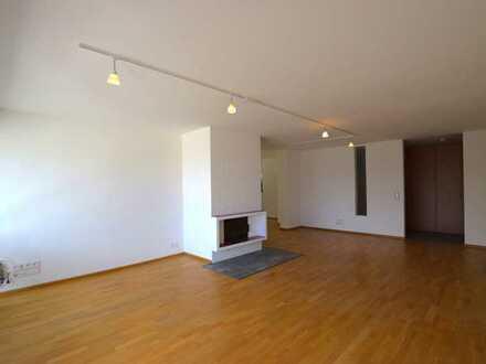 Sanierte, hochwertig ausgestattete 3-Zimmer-Wohnung mit 2 Balkonen in Bad Soden