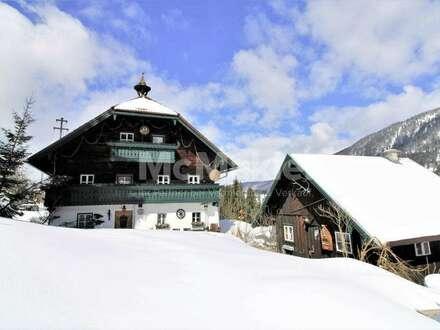 Bauernhaus-Rarität mit großem Grundstück in Traumlage unmittelbar am Schigebiet Dachstein-West!