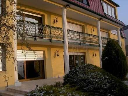 ---Wien Umgebung: Repräsentative Herrschaftsvilla in absoluter Grünruhelage---