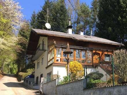 Wohnhaus auf einem 1560qm Grundstück mit Waldanteil