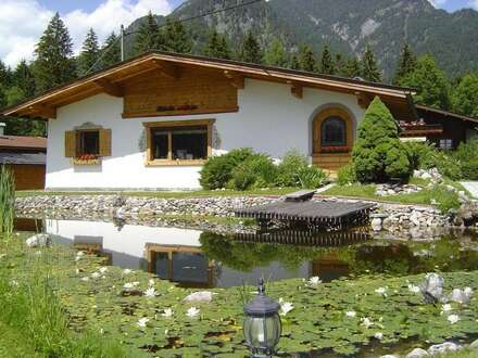 Wunderschönes Einfamilienhaus mit Schwimmteich in absoluter Sonnenlage