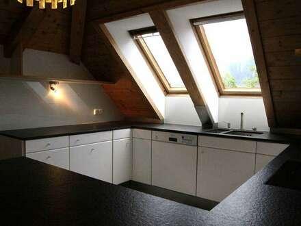 Exklusiv große Dachgeschosswohnung als Zweitwohnsitz mit gemütlichem Balkon - Nähe Skigebiet Kramsach