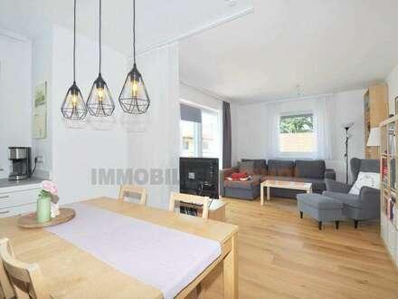 Neuwertige 4-Zimmer-Wohnung mit Terrassen-Balkon und Parkplatz in Bürmoos
