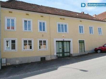 3812 Gr. Siegharts: Großes Wohnhaus mit Garten (Preisreduziert!)