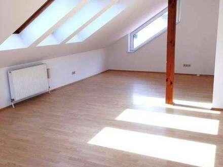 GABLITZ-Zentrum: 125m² Familien Maisonettewohnung mit Dachterrasse