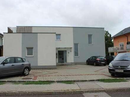Eigentumswohnung mit Terrasse, Garten und KFZ-Stellplatz in zentraler Lage