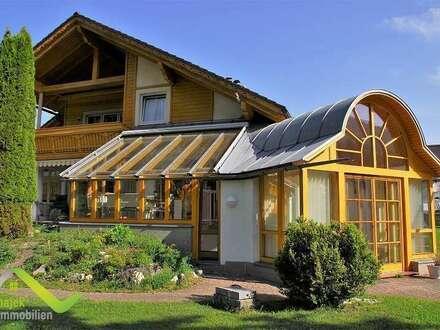 Überzeugendes Haus Bad Aussee in absoluter Ruhelage mit Wintergarten, Schwimmbad und Sauna