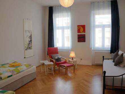 Bright, big, furnished apartment in top location near park, special conditions for short-term rental