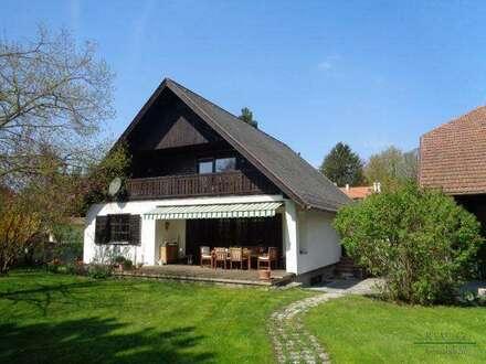 Wienerwaldlandhaus mit historischen Stallungen