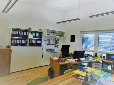 Großzügiges Büro in Feldkirchen mit ruhigem Balkon -70,06m²