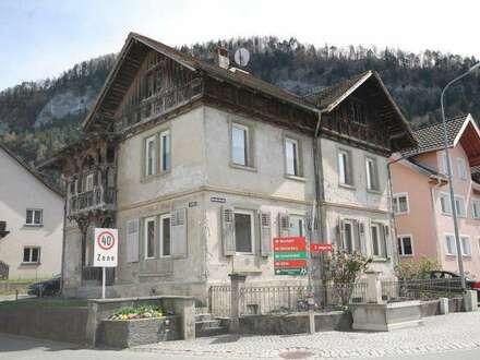 Altehrwürdiges Haus mit 2 getrennten Wohnungen