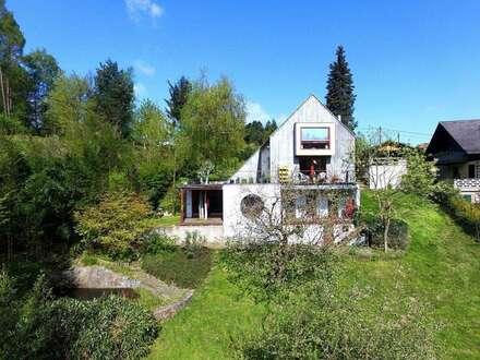 Architektenhaus mit unverbaurem Grünblick und Natur-Schwimmteich