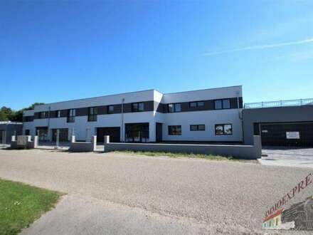 ERSTBEZUG/ Exklusive 5 Zimmerwohnung mit Terrasse/Garten in ruhiger Lage