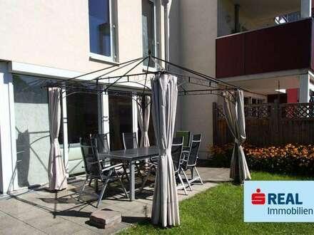 Neuwertige Wohnung mit Reihenhaus Charakter wird in Kufstein-Endach verkauft.