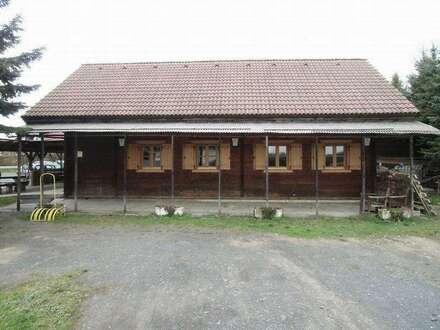 Jausenstation in Blockbauweise, Gewerbegrund