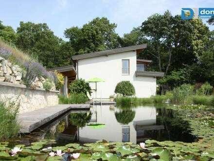 Exklusives Wohnhaus mit Schwimmteich in absoluter Ruhelage