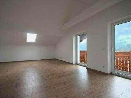 Moderne Dachgeschoss-Wohnung