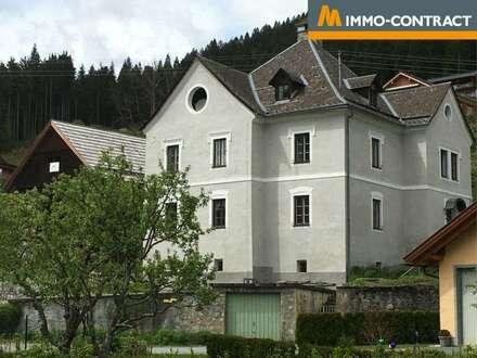 Pfarrhof mit drei vermieteten Wohneinheiten und Nebengebäude