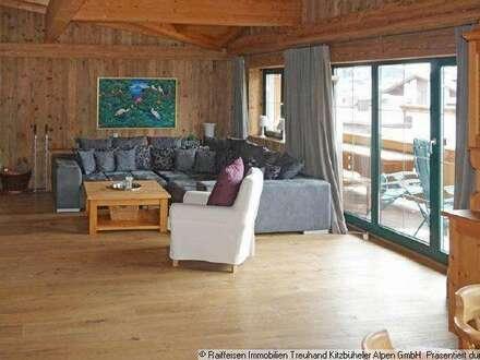 Miete: Hochwertige Dachgeschosswohnung im Tiroler Stil in Kirchberg in Tirol