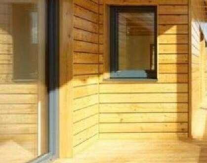 Neues Holzblockhaus in Alleinlage am Waldrand in echter Ruhelage