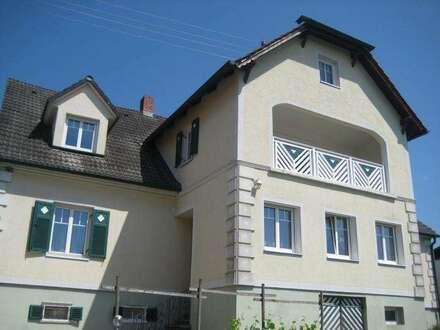 Wohnen im Einfamilienhaus 250m² Balkon+Grundstück in Ruhelage mit Nebengebäude