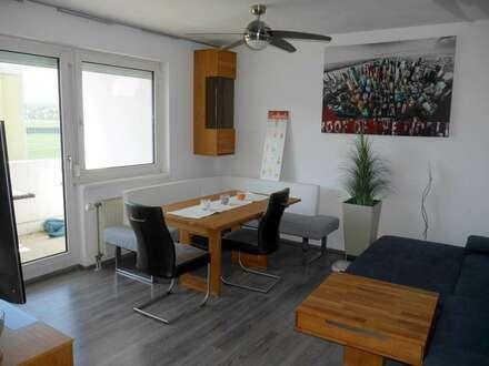 Helle, südseitige 3-Zimmer-Wohnung mit Loggia