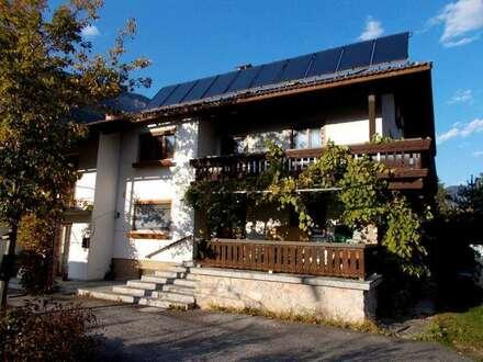Haus mit 2 getrennten Wohnungen und sehr großem Garten in schöner Lage zu verkaufen!