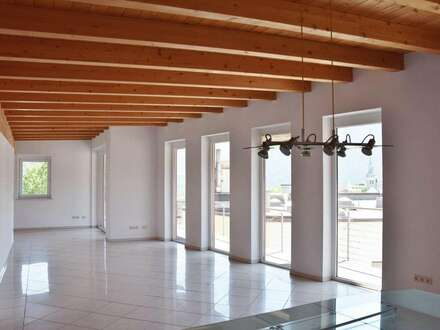 Penthouse-Wohnung - mit atemberaubendem Ausblick auf die Bergwelt - inmitten der Stadt Imst zu verkaufen!
