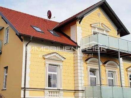 Zentrumslage! Wohnen in einer herrlichen Villa! 3-Zimmer, Terrasse!